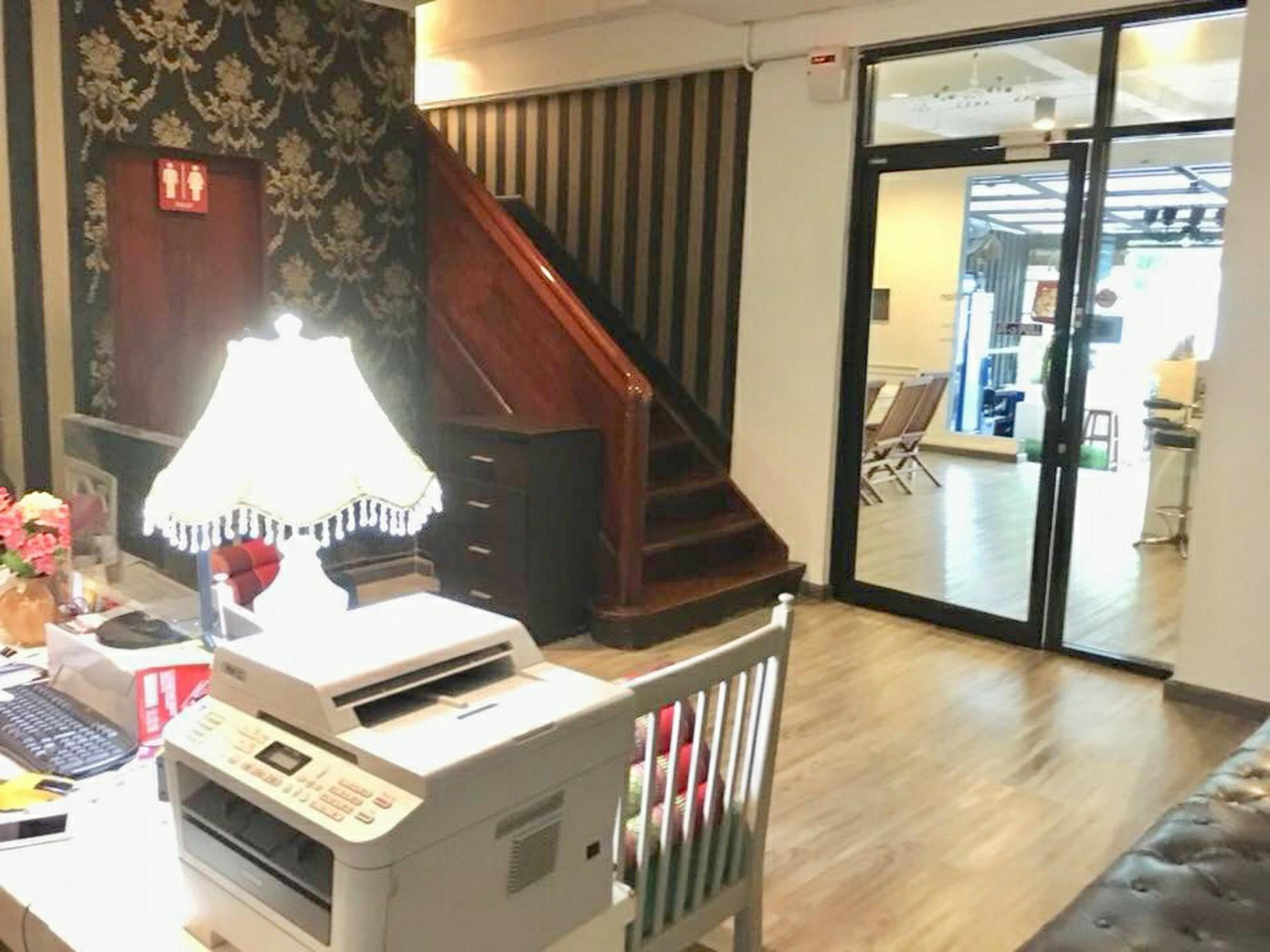 FIRST 1 Boutique Hostel At Sukhumvit 1