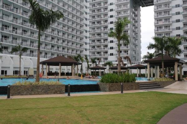USP Suites at SHELL Residences Manila