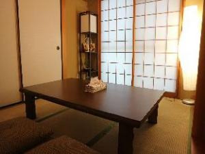 TH Kyoto 2 Bedroom Apartment near Nijo Castle