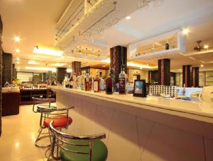 Baramee Hip Hotel Phuket - Pub/Lounge