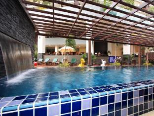 Baramee Hip Hotel Phuket - Swimming Pool