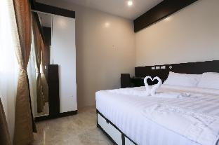 picture 4 of Bed and Bath Serviced Suites