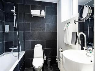 First Hotel Twentyseven Copenhagen - Bathroom