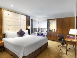 Amora Jamison Hotel Sydney - Deluxe Corner King