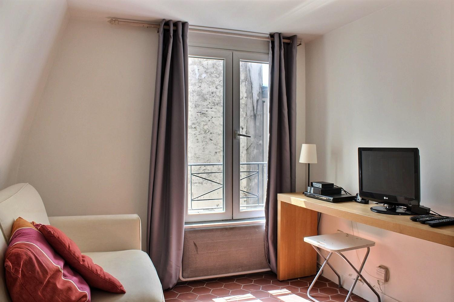 S02098 - Modern studio for 2 people near Les Halles