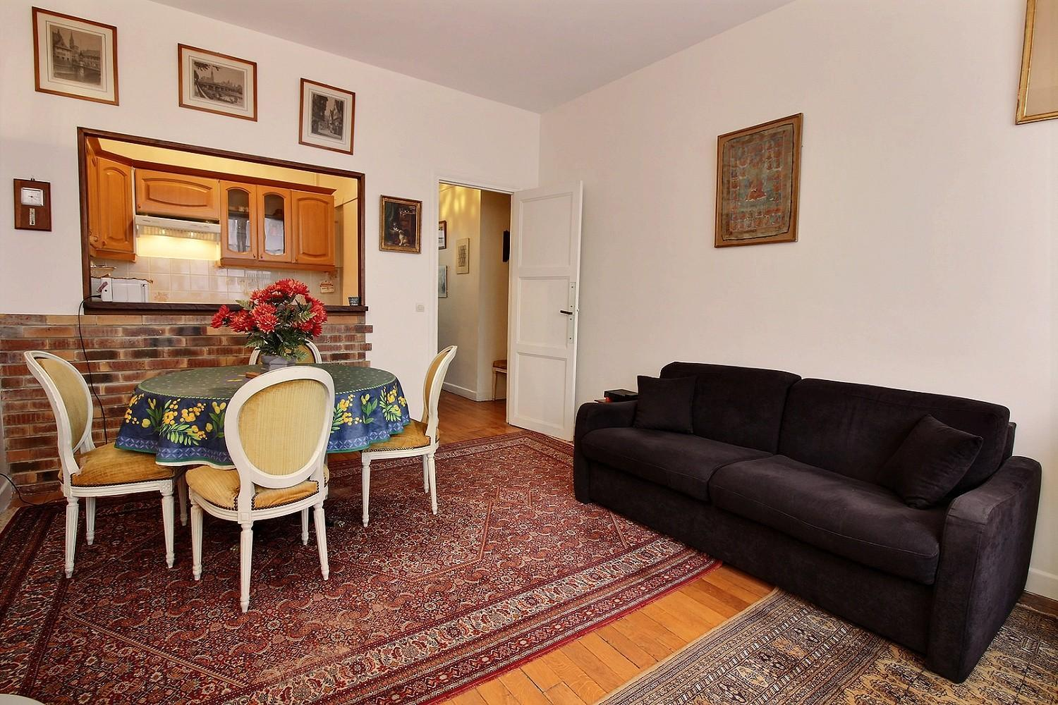 114510 - 3 person apartment in the 14th