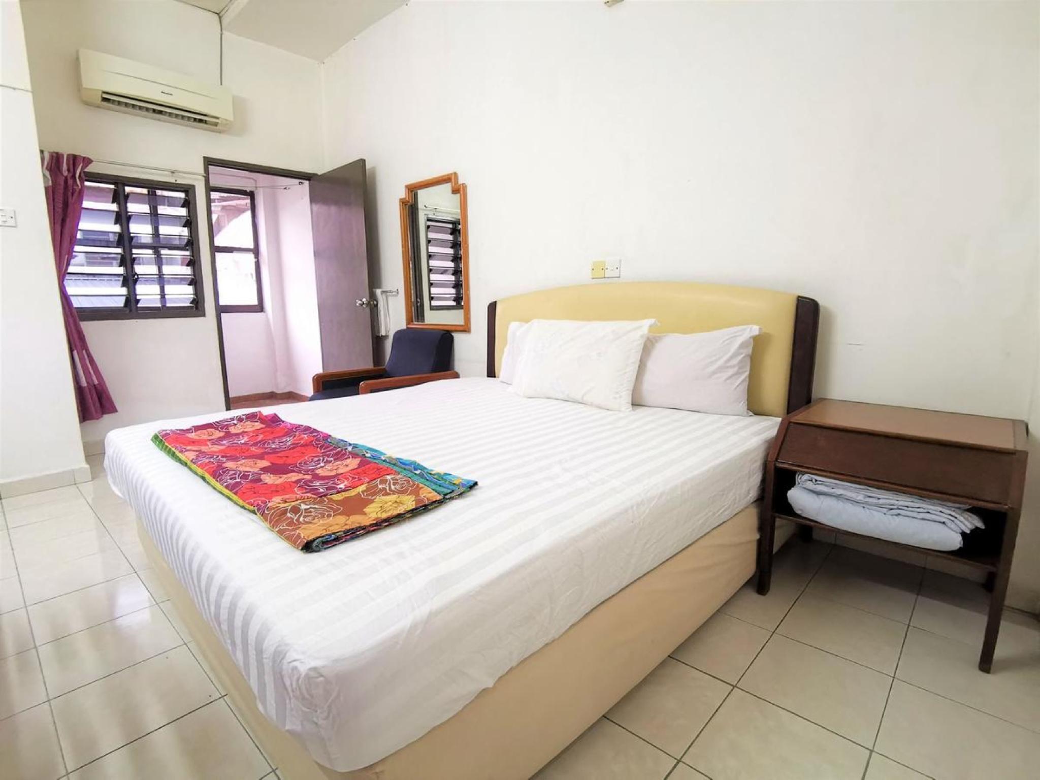 Star Hotel, Budget, Lodge