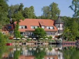 Sobre Romantischer Seegasthof & Hotel Altes Zollhaus (Romantischer Seegasthof & Hotel Altes Zollhaus)