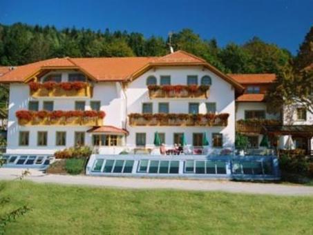 Huttenhof   Wellnesshotel And Luxus Bergchalets