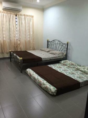 Homestay Subang Jaya Taipan 7BR (21pax) Kuala Lumpur