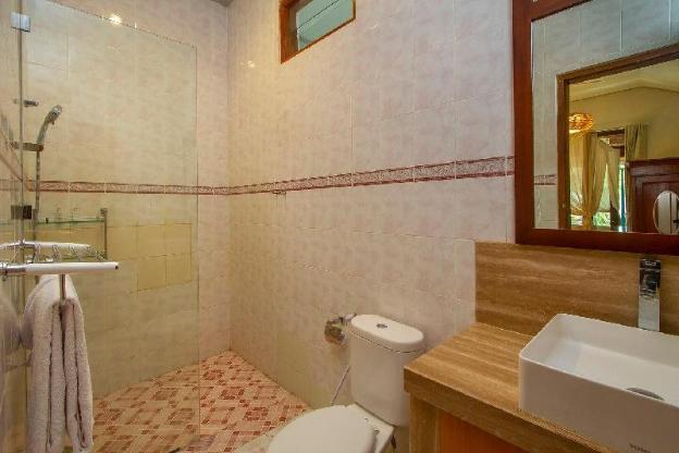 6 bedrooms + private pool in Batu Bolong, Canggu