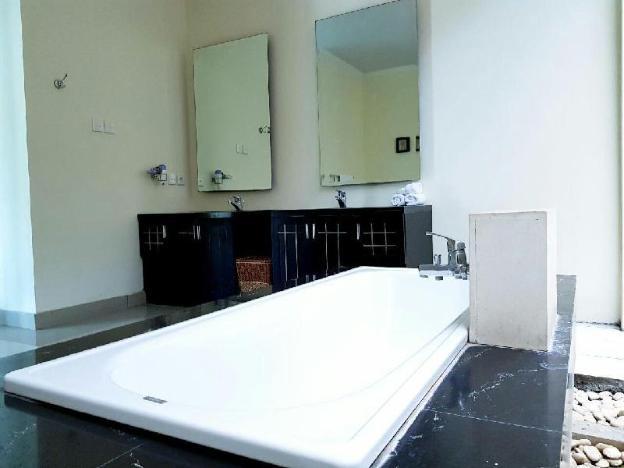 1BR Private Large Pool villa & Kitchen in Seminyak