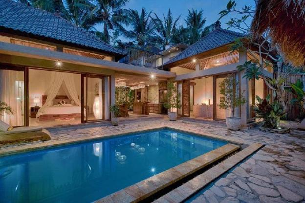 4BR Villa with Pool close to Ubud Center