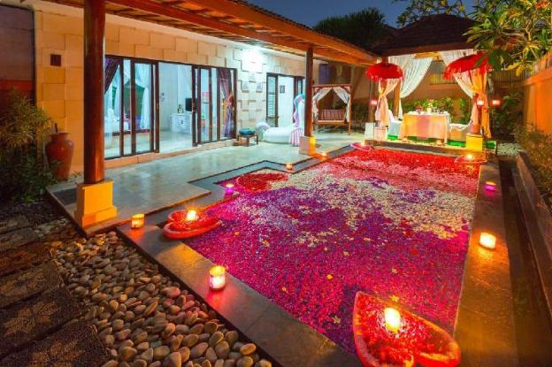 Honeymoon 1BR Private Pool Villa in Kuta LV 07