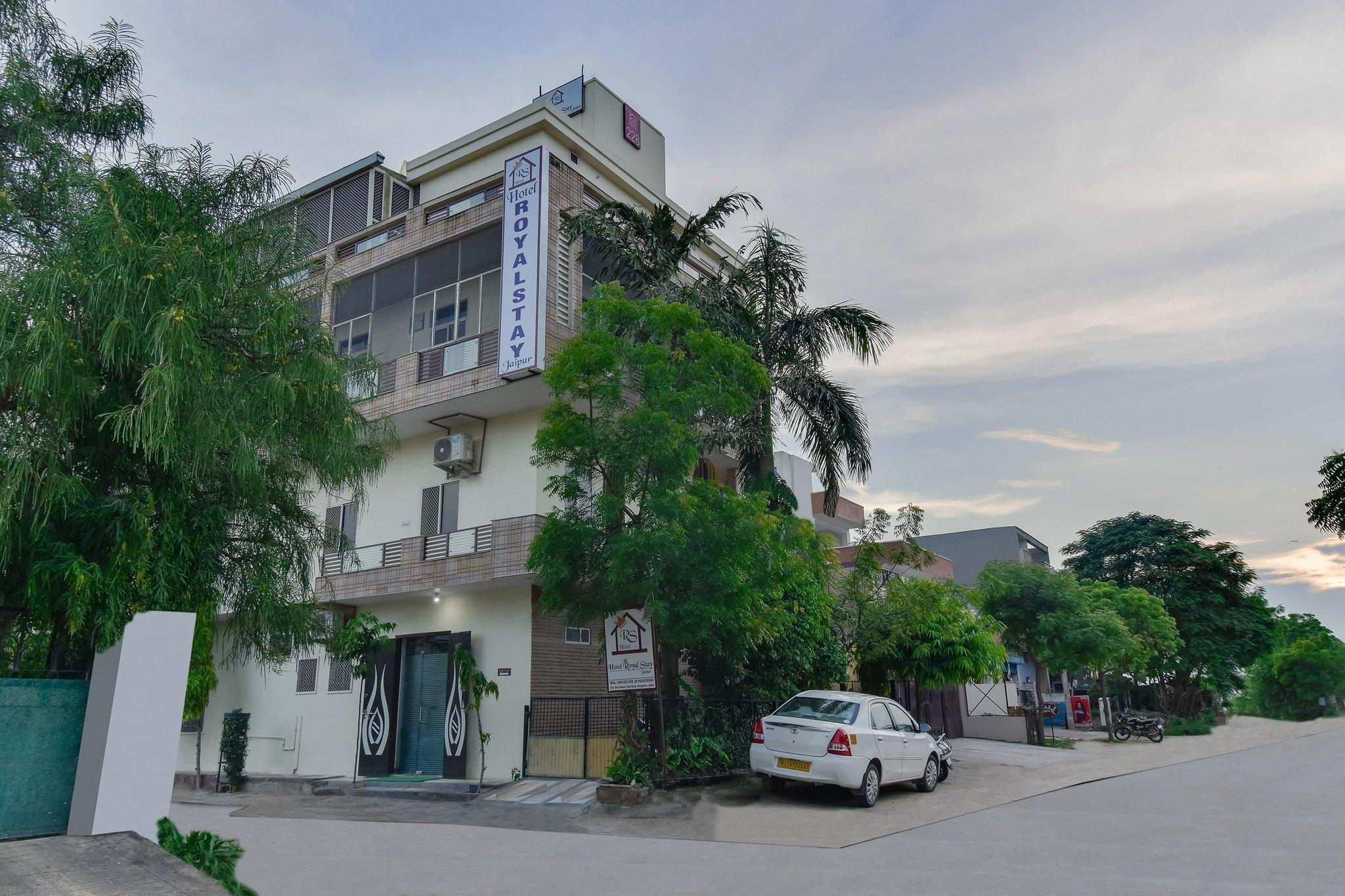 OYO 45641 Hotel Royal Stay