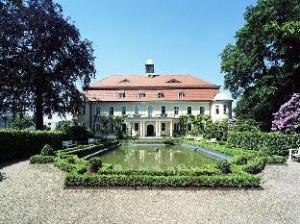 โรงแรม ชลอส ชไวนส์บูร์ก (Hotel Schloss Schweinsburg)