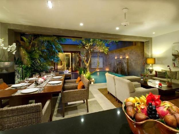 2BR Magnificent Villa with Pool + Bfast @Seminyak