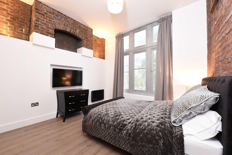 Spacious/Modern 2 Bed Apartment at Knightsbridge