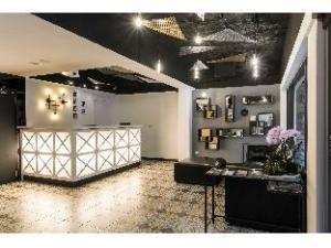RF Hotel - Lin Sen
