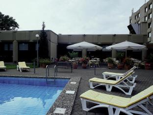 Mercure Airport Hotel Berlin Tegel Berlin - Swimming Pool