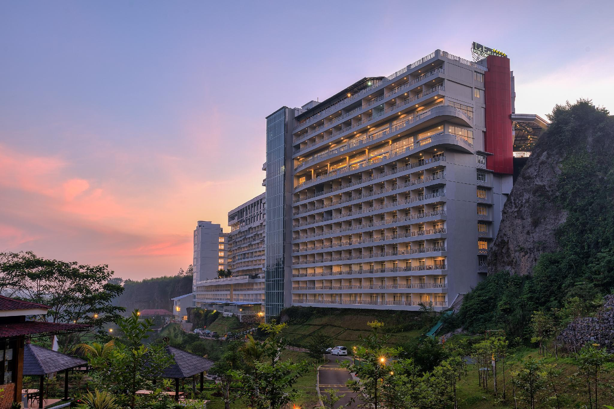 Photo of Le Eminence Puncak Hotel Convention and Resort