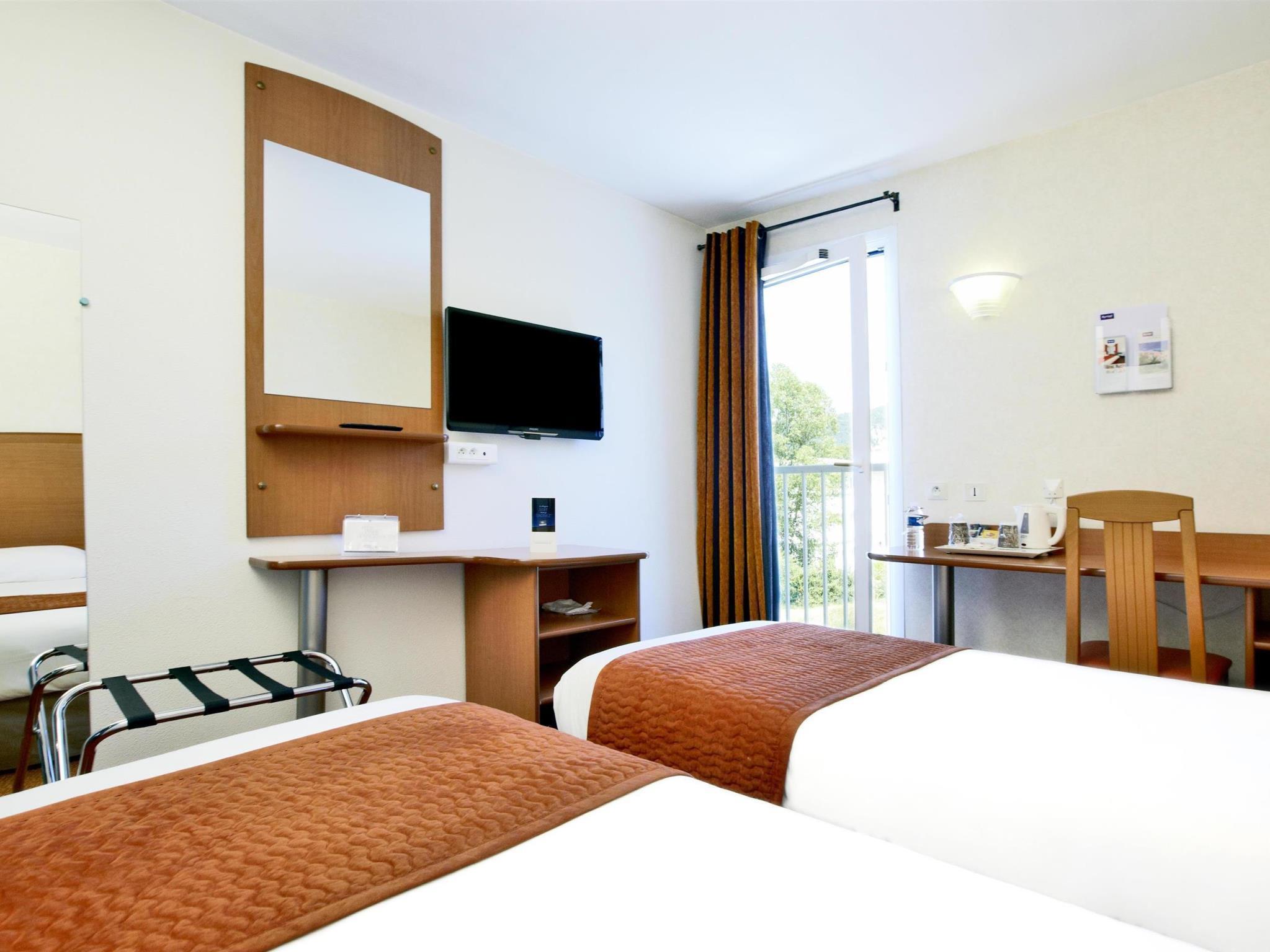 Hotel Kyriad Marseille Est   Gemenos