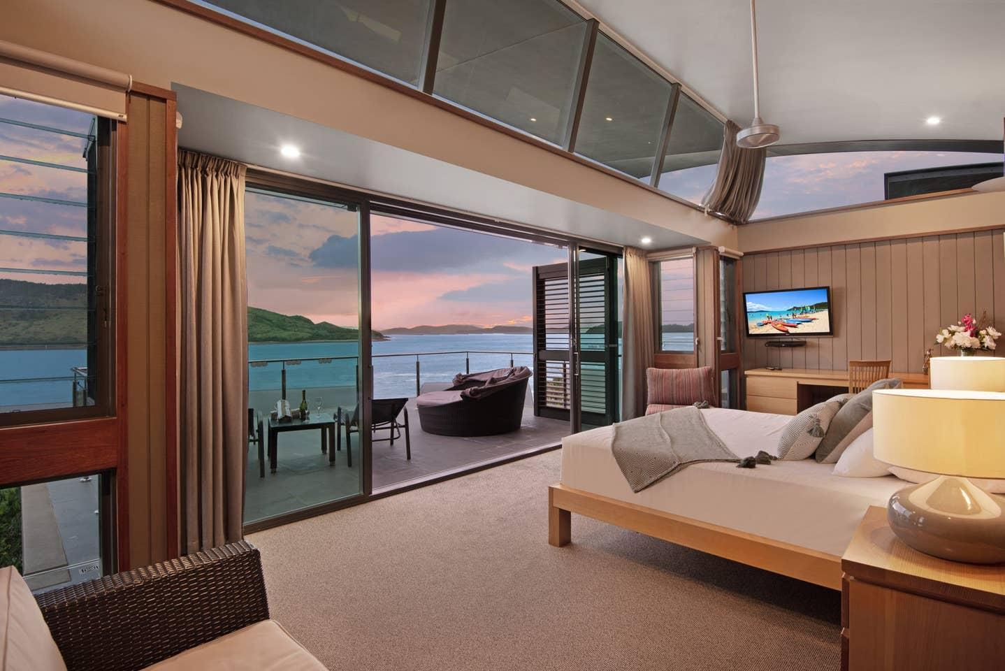 Yacht Club 33 Serenity House Ocean Views 2 Buggies