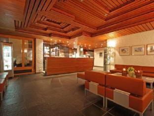 Hauser Swiss Quality Hotel Saint Moritz - Lobby