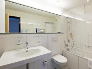 Hauser Swiss Quality Hotel Saint Moritz - Bathroom