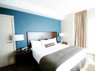 Auberge Vancouver Hotel Vancouver (BC) - Guest Room