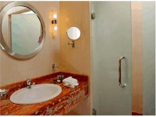 Sheraton Dreamland Hotel and Conference Center Giza - Bathroom