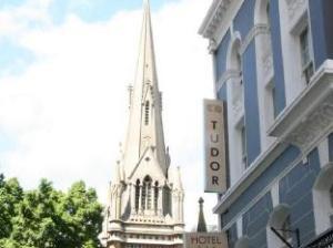 โรงแรมทูดอร์ (Tudor Hotel)