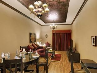 Lotus Downtown Metro Hotel Apartments Dubai - Suite Living Room