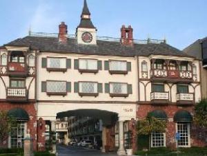 Tentang Anaheim Camelot Inn & Suites (Anaheim Camelot Inn & Suites)