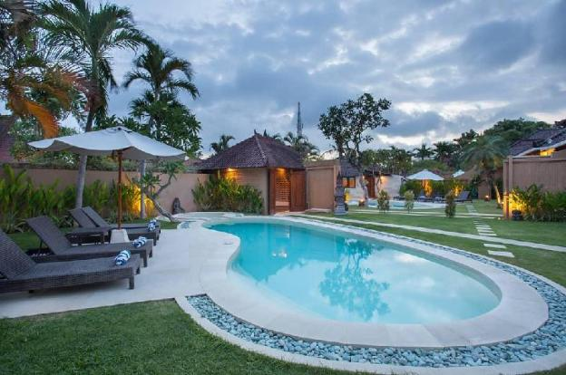 Three BR Villa with Private Pool-Breakfast|BDV