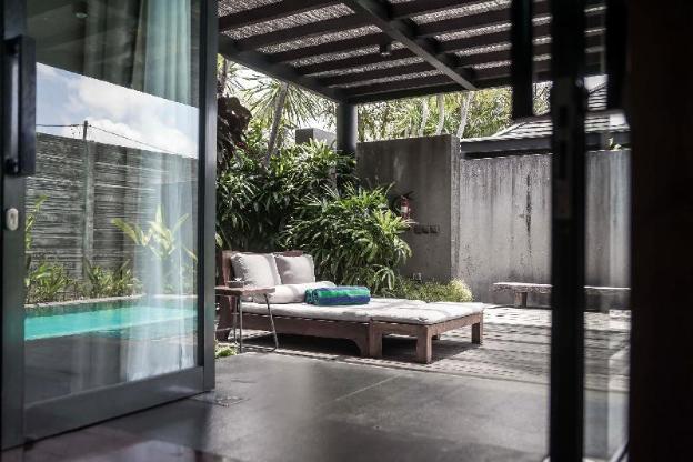 One BR Royal Pool Villa-Breakfast|JRV