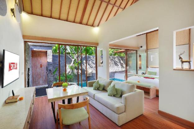Two BR Villa Private Pool+Hottub-Breakfast|IVV