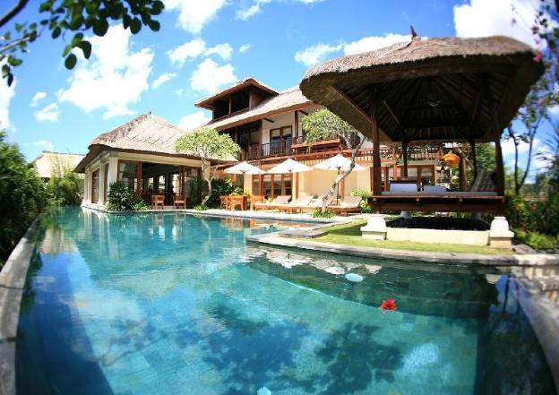 Three BR Private Pool Villa - Breakfast