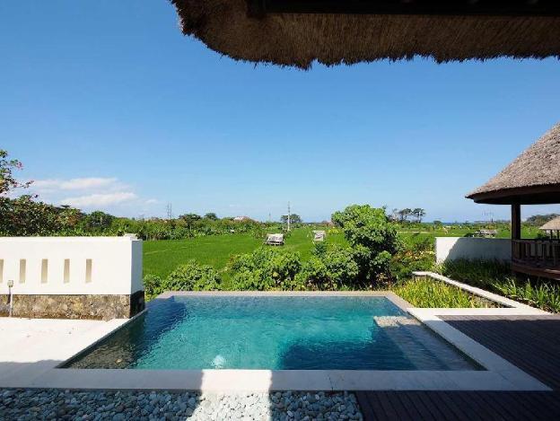 OneBR Private Pool Villa with a Bathtub -Breakfast