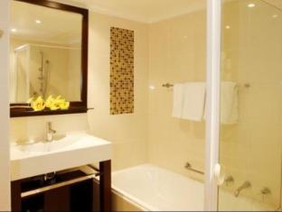 The York by Swiss-Belhotel Sydney - Bathroom