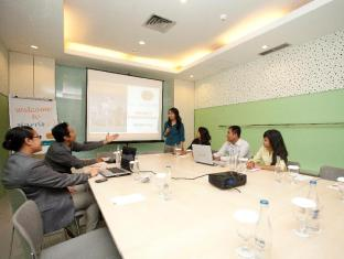 HARRIS Hotel & Residences Riverview Kuta Bali - Meeting Room