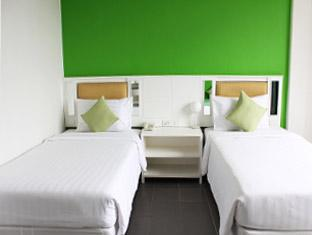 Malai House Hotel Phuket - Bedroom-Twin Bed