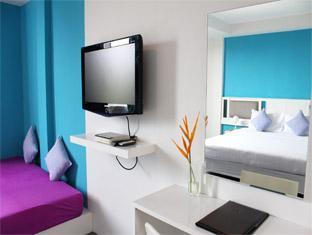 Malai House Hotel Phuket - Bedroom