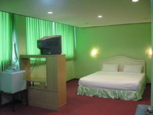 New Mitrapap Hotel Chiang Mai - Gjesterom