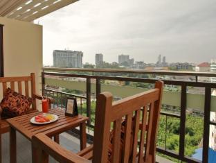 Pattaya Loft managed by Loft Group Pattaya - View from Balcony