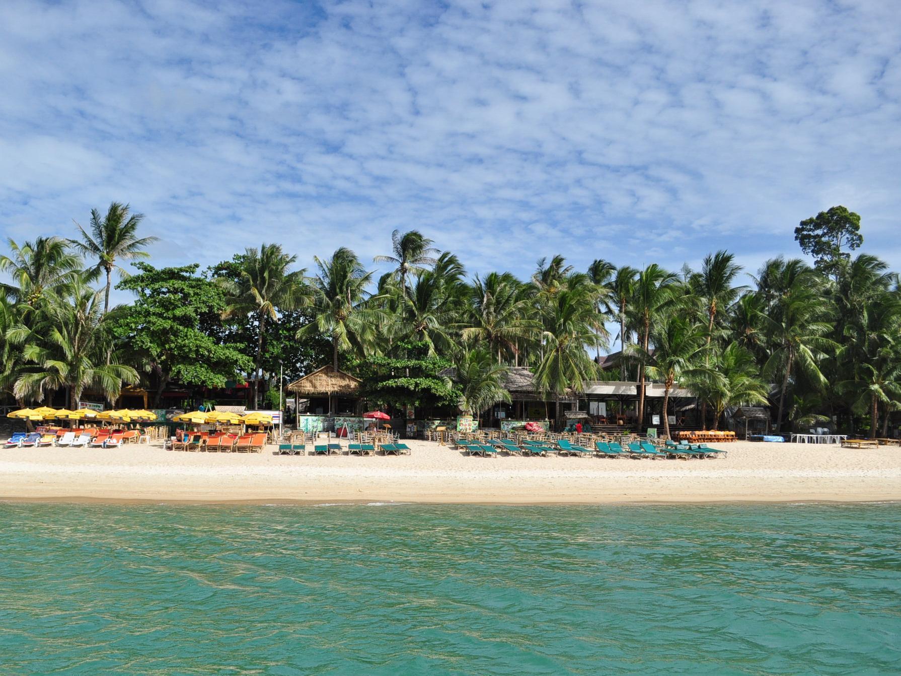 Coconut Beach Resort โคโคนัท บีช รีสอร์ท