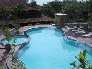 Bukit Senggigi Hotel Lombok - Swimming Pool