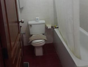 Bukit Senggigi Hotel Lombok - Bathroom
