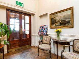 The Castleton Hotel London - Interior