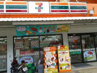 Andaman Seaside Resort Phuket - 7 Eleven